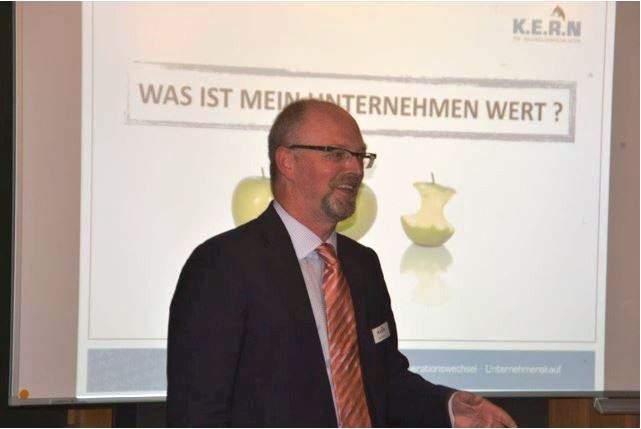 Ralf Harrie, Experte für Unternehmensbewertung in Berlin, schätzt die Vorteile des Ertragswertverfahrens.