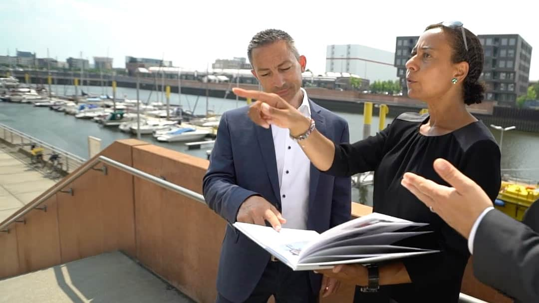 Specjalista KERN Nicole Kalonda i Josef Andre w rozmowie