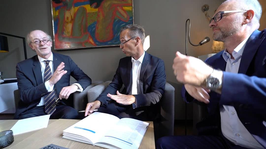 Sukcesja firmy w Krefeld: Klaus Knuffmann w negocjacjach z klientami
