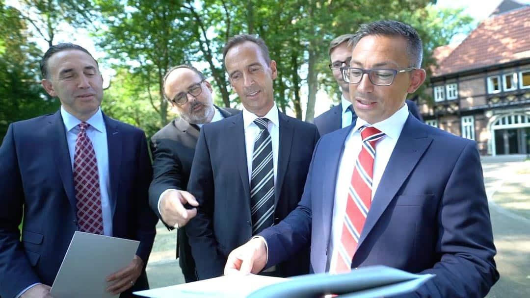 Specjaliści KERN Josef Andrej, Nils Koerber i Karl Rehfuß z klientami