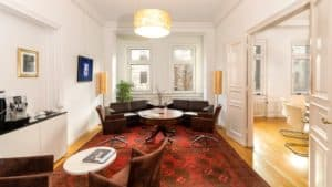 Hilfe - Meine Tochter will meine Firma übernehmen @ Private Office Berlin
